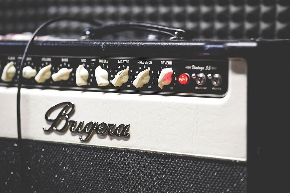 Amplificatore-per-chitarra-elettrica