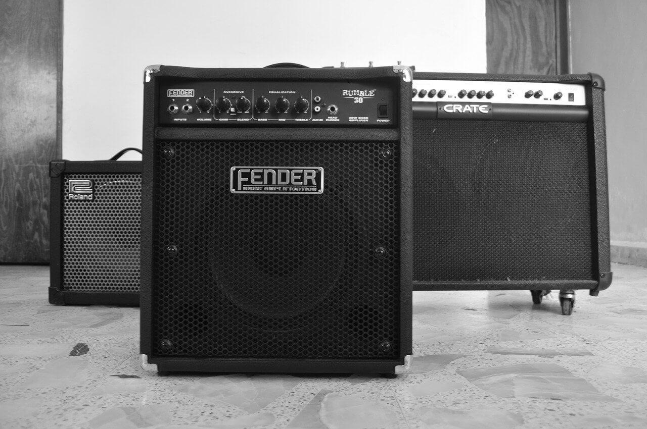 amplificatore-per-chitarra-acustica