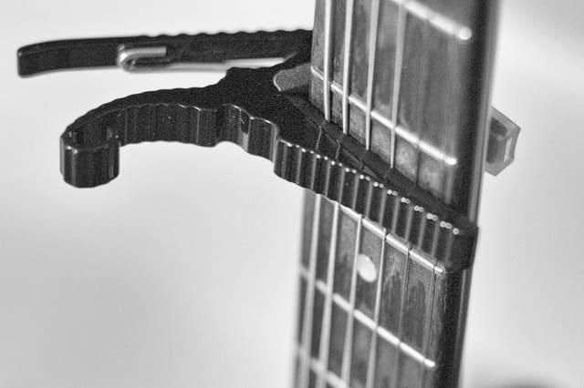 capotasto-per-chitarra