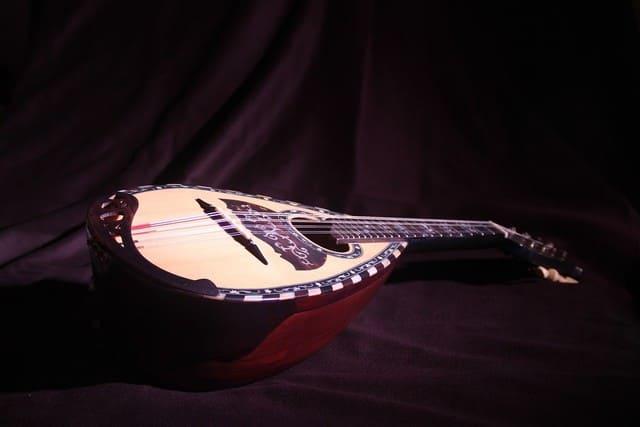 un mandolino