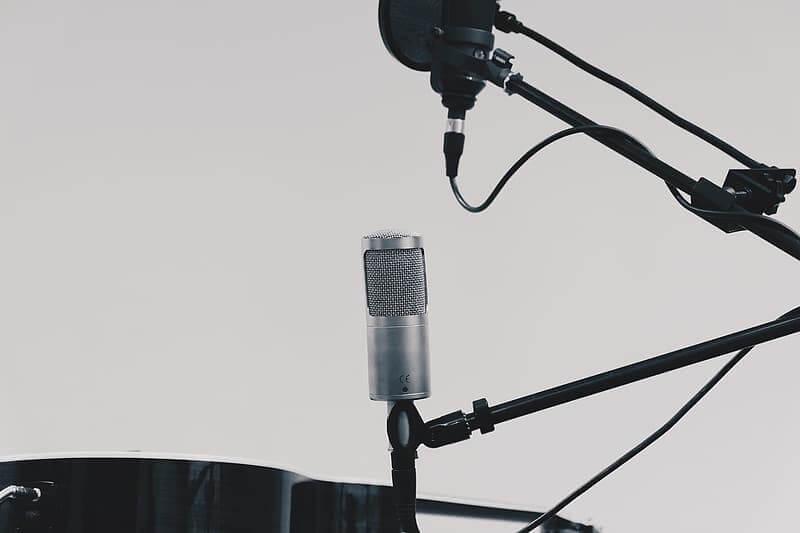 supporto-microfono-da-tavolo