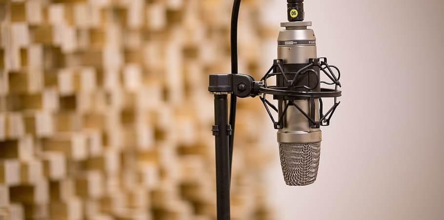 supporto-microfono-per-studio